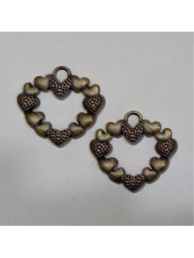 Metal charm- heart garland