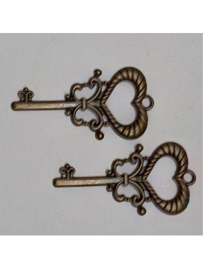 Metal charm-heart key